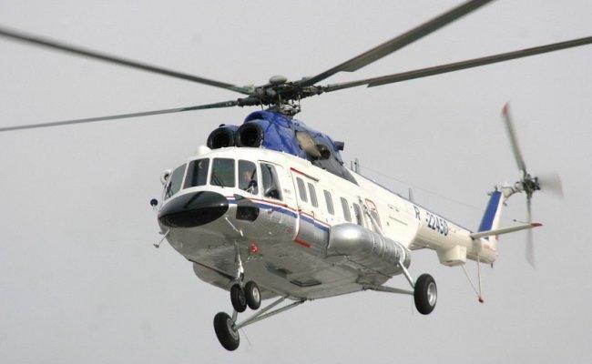 В Якутии директор госучреждения возил на вертолете туристов на рыбалку за государственный счет