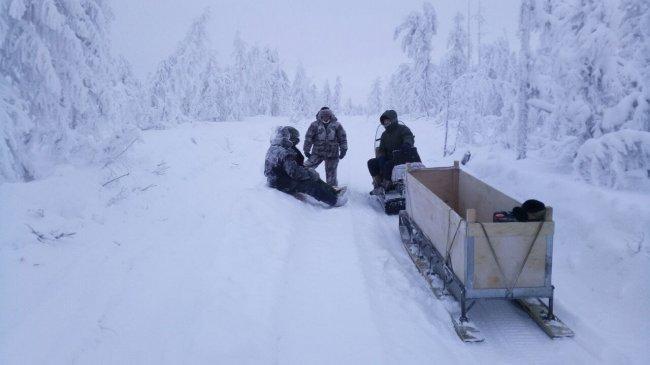 Спасатели эвакуировали трех человек в Среднеколымском районе