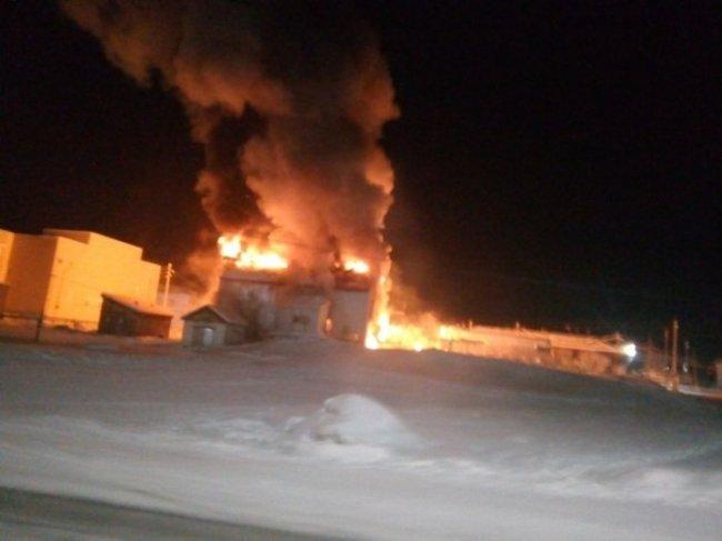 В селе Бердигестях приступили к эвакуации жителей из жилых домов в эвакопункты