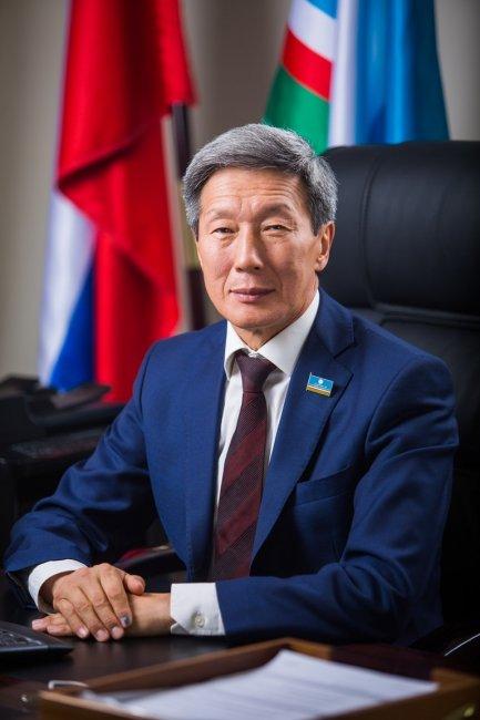 Министр связи Якутии уличен в фиктивном трудоустройстве друзей