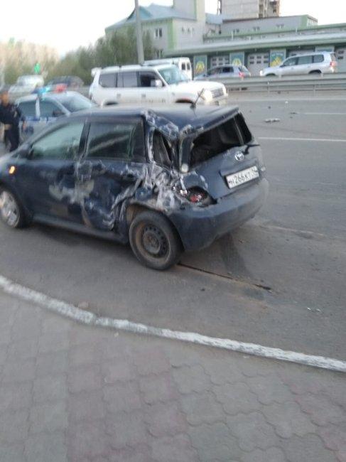 Фотофакт: жесткое ДТП в Якутске