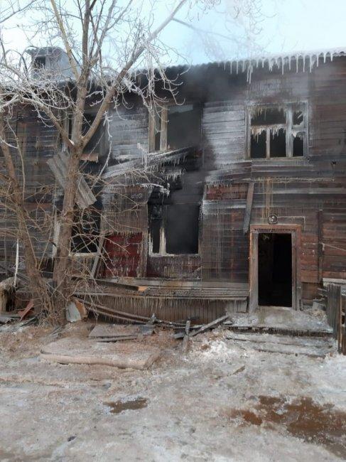 Пострадавшим от пожара в доме по ул. Дежнева оказывают помощь